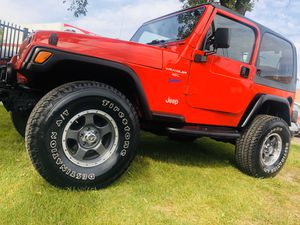 1997 Jeep Wrangler Sport Utility 2D for Sale in Chicago, IL