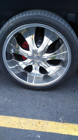 Rim and tires size 24 6 lug for Chevy Tahoe GMC Yukon Chevy Silverado $750 cash only 305/35/24 for Sale in Seattle, WA