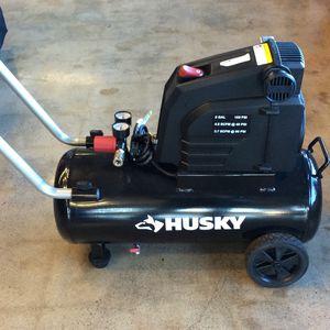 Husky 0300816 8gal 150 PSI Hotdog Air Compressor for Sale in Parkland, WA