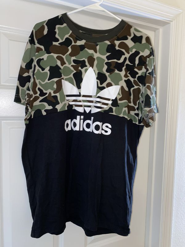 Adidas Black/camo T-Shirt size XL