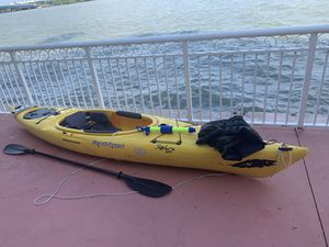 Solara 120 kayak 12ft and accessories for Sale in Miami, FL