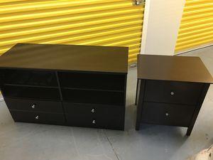 Tv stand/dresser & bed table for Sale in Atlanta, GA