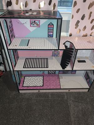 LOL DOLL HOUSE for Sale in Fort Washington, MD