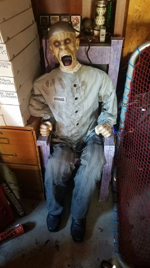 Halloween electric chair prop for Sale in Grosse Pointe Woods, MI
