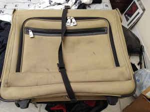 2 suitcases for Sale in West Palm Beach, FL