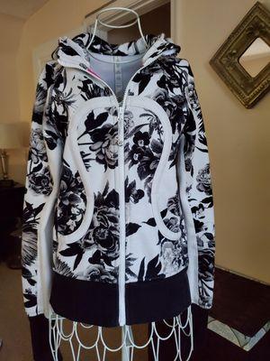 Women's Size 4 Lululemon Scuba Jacket New Condition for Sale in Virginia Beach, VA