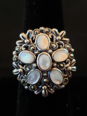 $35! STERLING Cluster Ring Vintage Opal/Mother of Pearl/Moonstone Floral Radial Flower Size 6.5. Diameter is 3/4 inch. Marked 925. for Sale in Redington Beach, FL