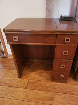 Sewing table for Sale in Grelton, OH