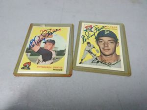 Vintage trading cards baseball autographed signed for Sale in Phoenix, AZ