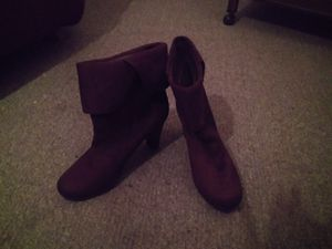 Cuffed ankle boots size 8 1\2 for Sale in Wichita, KS