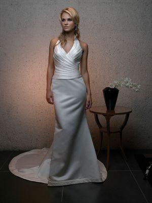 Elegant Wedding Dress for Sale in Dublin, CA