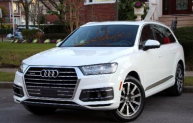 ONLY2OO8 Q7 Quattro WHITE ON WHITE for Sale in Binghamton,  NY