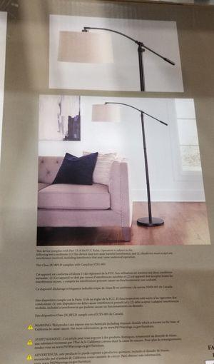 FLOOR LAMP for Sale in Ocean Ridge, FL