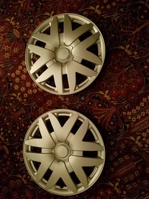 Hubcaps(2) for a Toyota Sienna ?2007 for Sale in Brookfield, CT