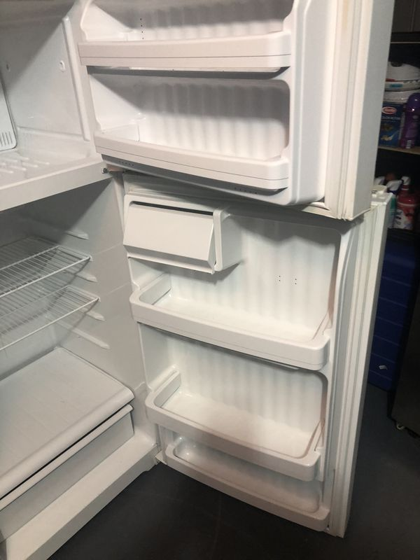 GE REFRIGERATOR FOR SALE . Great condition