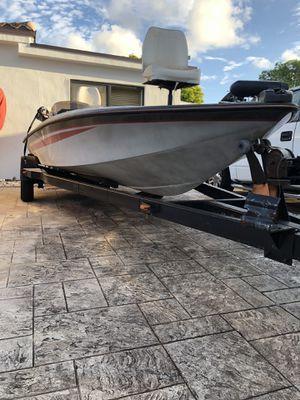 BUJ bass traker marine 18.6ft for Sale in Hialeah, FL