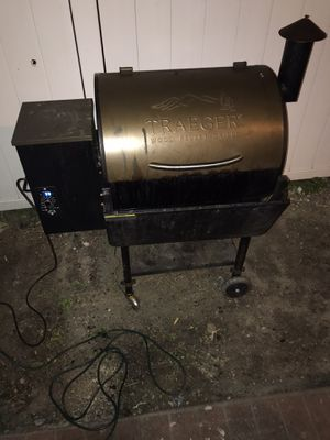 BBQ Grill / Traeger Grill Electronic Smoker for Sale in Port Richey, FL