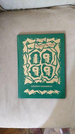 1999 pioneer yearbook for Sale in Wenatchee, WA