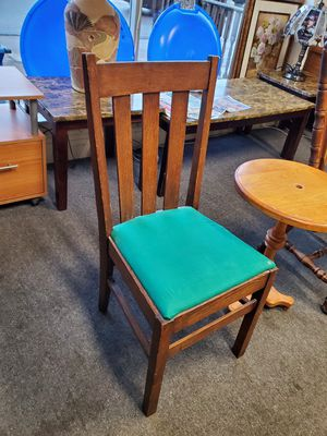 Chair for Sale in Erie, PA