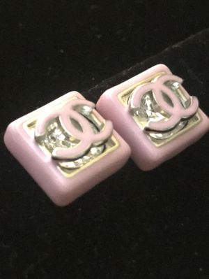 Authentic Gorgeous Chanel Logo Pink Square w/Swarovski Crystals for Sale in Modesto, CA