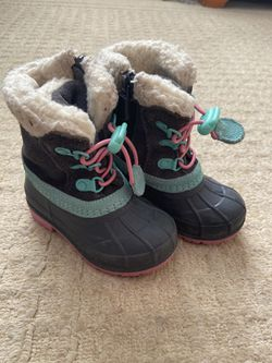 Toddler size 5 snow boots for Sale in Commerce City,  CO