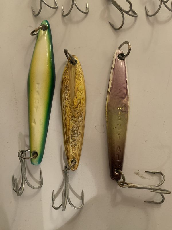 Iron fishing surface and yo-yo jigs New and Barely Used
