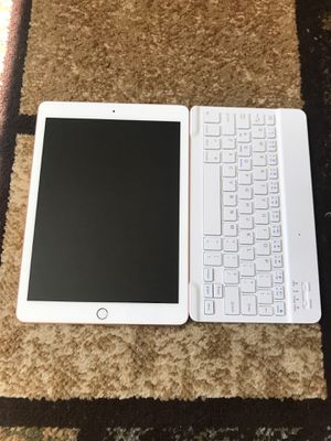 iPad 6th Gen for Sale in Macomb, MI