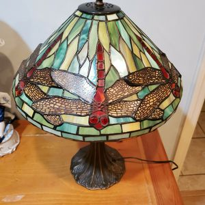 Tiffany Style stain Glass lampa for Sale in Duluth, GA