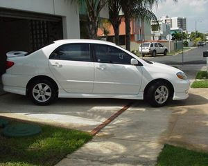 PRICE$6OO white O3 Toyota Corolla for Sale in Fort Worth, TX