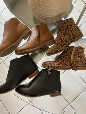 Girls 13 booties (cat & jack brand) for Sale in Avondale, AZ