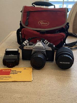 Pentax Asahi - K 1000 Camera w/ Lens, included: Extra lens - Promaster, Flash SunPass, Case -Lowepro, and Lens cleaning paper. In excellent conditio for Sale in Clermont, FL