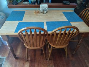 Kitchen table with 4 Chairs & Bench for Sale in Germantown, MD