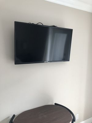 40 inch flat screen TVs. I have 4 of them. for Sale in Fort Lauderdale, FL