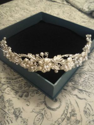 Alfred Angelo's Wedding Hair Band for Sale in Rancho Cucamonga, CA