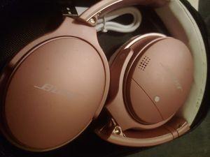 Bose QuietComfort 35ii headphones (pink) for Sale in Buena Park, CA