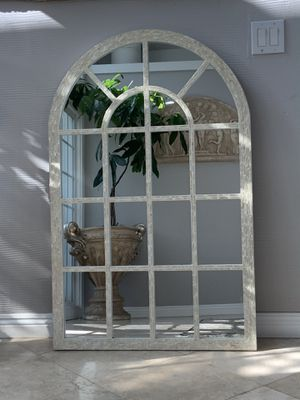"""48""""x32"""" Absolutely gorgeous with mother of pearl frame mirror. Very unique and beautiful for Sale in Laguna Niguel, CA"""