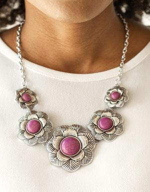 Stunning New pink & silver Necklace & matching Earrings for Sale in Yelm, WA