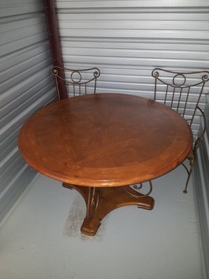 [Table + 4 Chairs] Solid Oak & Metal Dining Room/Kitchen Table for Sale in Lincoln, NE