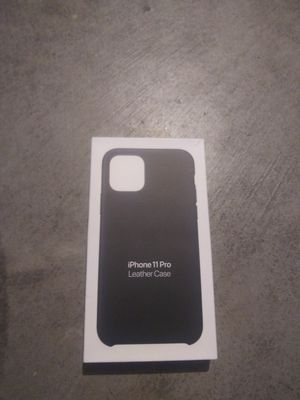 iPhone 11 leather case for Sale in Des Moines, IA