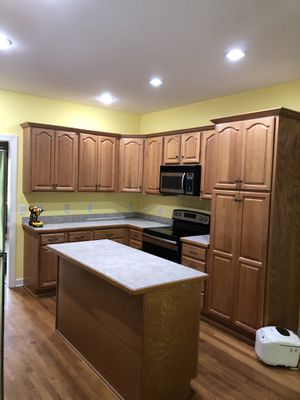 Kitchen and bathroom cabinets for Sale in Nashville, TN