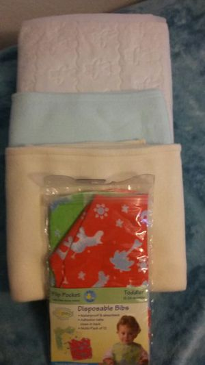 4 PC Set of Things for Baby for Sale in Denver, CO