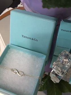 Gorgeous !Authentic Tiffany & Co Sterling Silver Infinity Double Chain Braclet for Sale in Gainesville,  VA