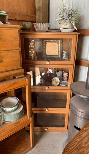 China cabinet for Sale in Prineville, OR
