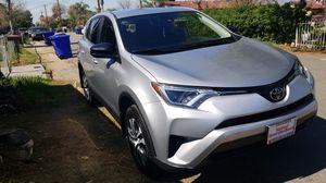 2018 TOYOTA RAV4 for Sale in Bloomington, CA