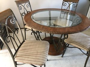 Round Glass Dining Room Table and Chairs for Sale in NW PRT RCHY, FL