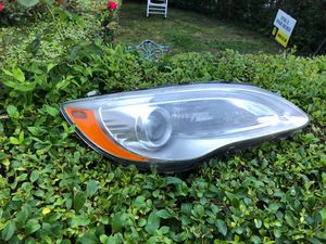 Passenger side headlight 2011-14 Chrysler 200 for Sale in Nashville, TN