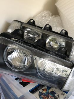E36 Coupe Vert Headlights And Clear Corners for Sale in Everett,  WA