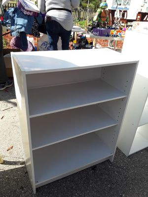 White shelf, great condition. for Sale in Naples, FL