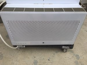 8000 BTU air conditioner for Sale in Los Angeles, CA