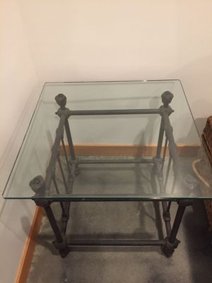 Iron & Glass End Table for Sale in Leavenworth, WA